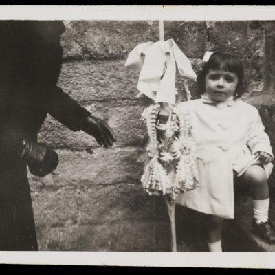 Retrat d'una nena durant el diumenge de Rams